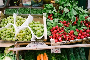 farmers-market-grapes-radishes.jpg